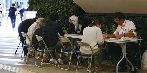吉祥寺の様々な来街者行動を捉え、まち場の方々と情報を共有することでビジネスに役立てていただくと共に、まちの魅力の維持・強化につながる検討に役立てるために実施しています。
